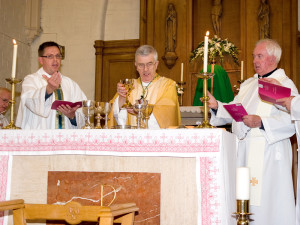 069-070707 Altar